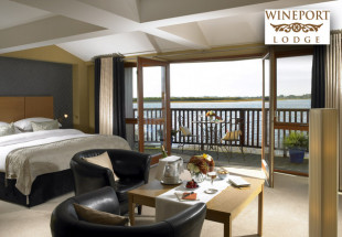 Luxury 2 night getaway at Wineport Lodge
