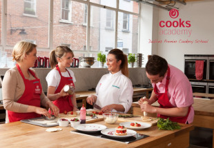 €300 voucher for Cooks Academy