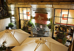 3 course lunch for two with wine at La Mere Zou