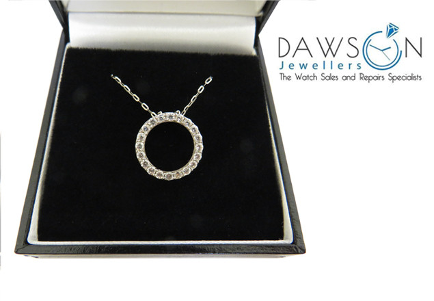 9ct gold pendant from Dawsons Jewellers